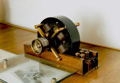 One of Tesla's first demonstration of a polyphase motor.